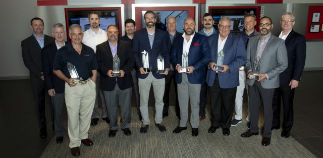 METUS Diamond Leadership Award Winners and METUS executive team